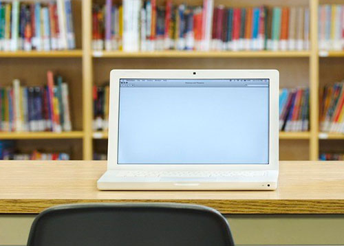 无缝液晶拼接屏应用于智慧校园